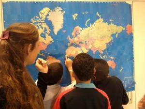 L'école Claude Farrère à l'heure de la citoyenneté mondiale avec Artisans du Monde!