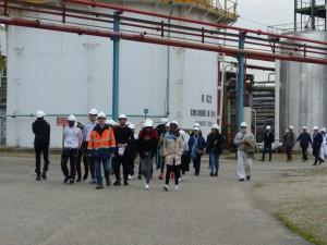 À bord de « la péniche des métiers de l'énergie et de l'industrie » dans la Vallée de la Chimie