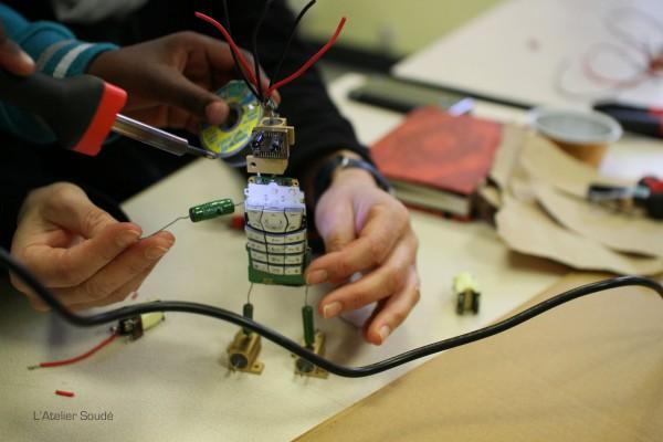 Un projet éducatif sur l'économie circulaire appliquée aux déchets électroniques