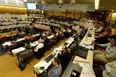Salle comble pour la 3e Conférence Energie Climat du 28 octobre 2013. © J.Léone