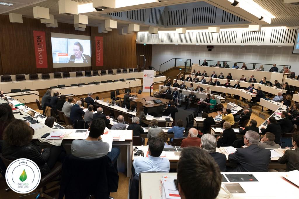 La séance plénière de la 4ème Conférence Energie Climat : ouverture avec des témoignages d'autres villes européennes (photo Thierry Fournier, Grand Lyon)