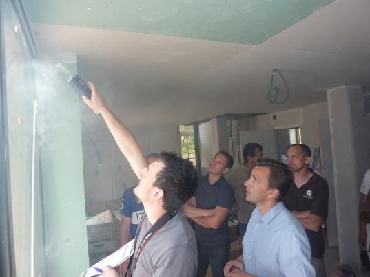 Le test de l'étanchéité à l'air permet de déceler d'éventuelles fuites