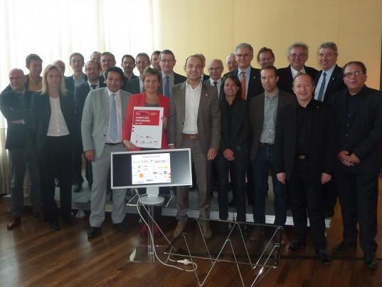 Les partenaires signataires de la charte Écorénov' ©DR
