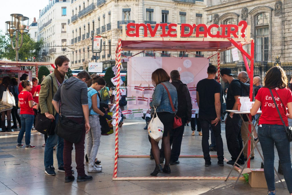 """Lancement du guide """"Agir à Lyon et ses alentours"""" le 21 septembre sur la place de l'Opéra"""
