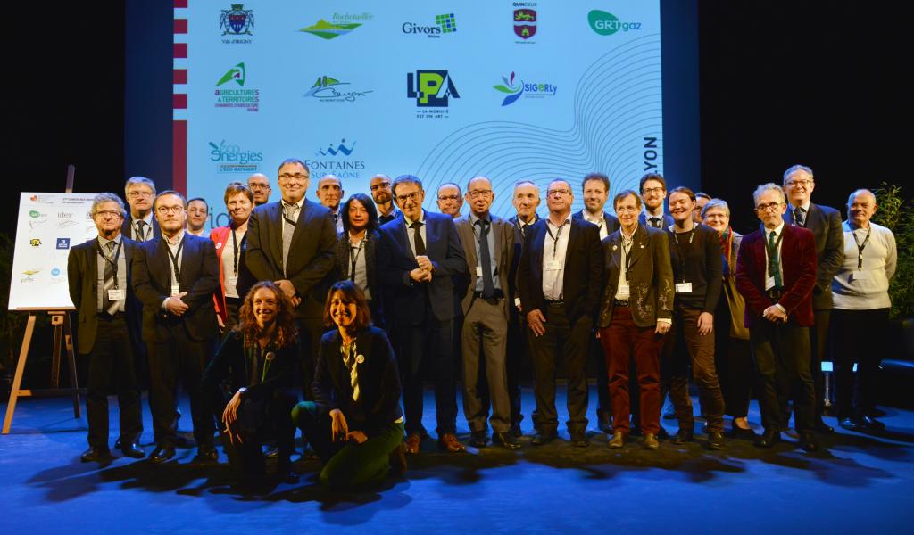 Les 18 nouveaux signataires du Plan Climat de la Métropole de Lyon (photo Emma Arbogast Grand Lyon)