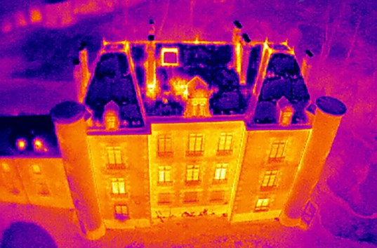 Thermographie-a--rienne-isolation-drone-TechniVue-1024x674