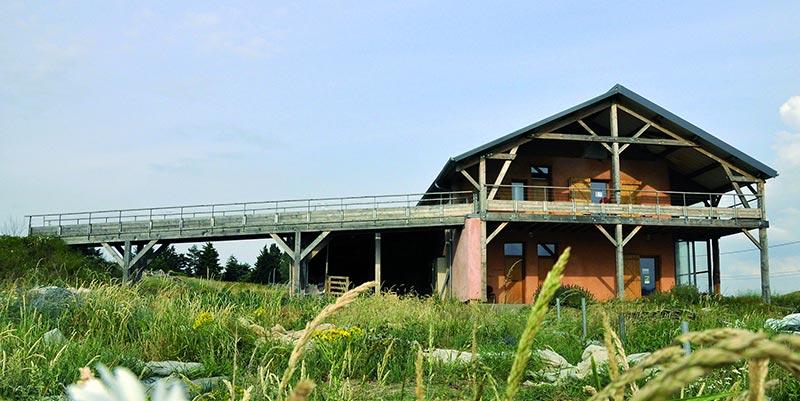Prenez le temps de réfléchir à votre projet de rénovation au sein de l'éco-centre d'Oïkos, à la Tour-de-Salvagny