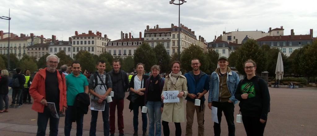 Le 12 octobre, 14 volontaires ont participé à la campagne de mesures (nous avons pris la photo après le départ des premiers groupes). Merci à tous!